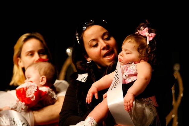 Babies DeDe (left) and Brooklyn (right) compete at the Southern Celebrity Beauty Pageant in Charleston, West Virginia as seen in Toddlers & Tiaras.TLC/Rebecca Drobis - Friday, January, 23, 2009, 10:23 PM